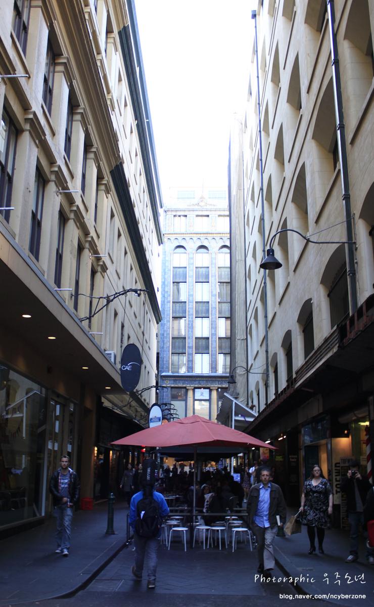 멜번 골목길에 위치한 카페 앤디아모 (cafe andiamo) !