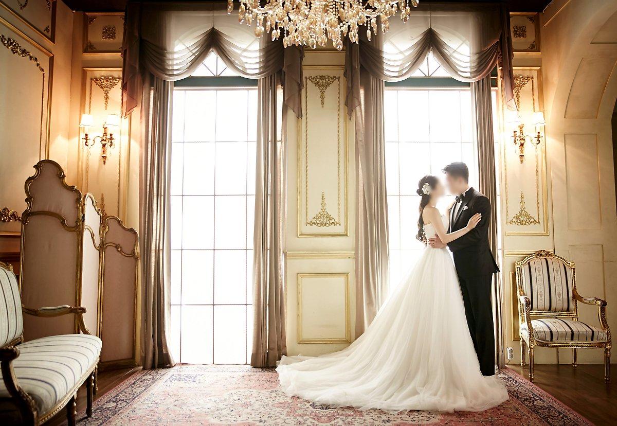 bf326313cea 웨딩촬영, 턱시도대여, 맞춤정장, 결혼예보, 턱시도렌탈, 루쏘소 루쏘소의 '프리미엄 턱시도대여 서비스'는 2014년 런칭, 예비신랑,  신부님들께 더 새롭고
