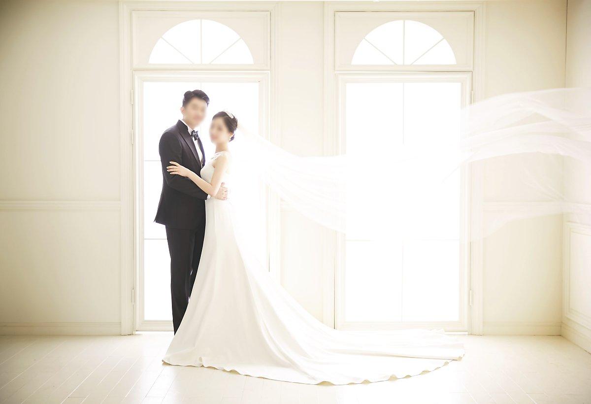 2bda90aa2f6 웨딩촬영, 턱시도대여, 맞춤정장, 결혼예보, 턱시도렌탈, 루쏘소 웨딩촬영 사진은 오랜 시간이 흐른 뒤 다시금 그때의 두근거림과 설레임을
