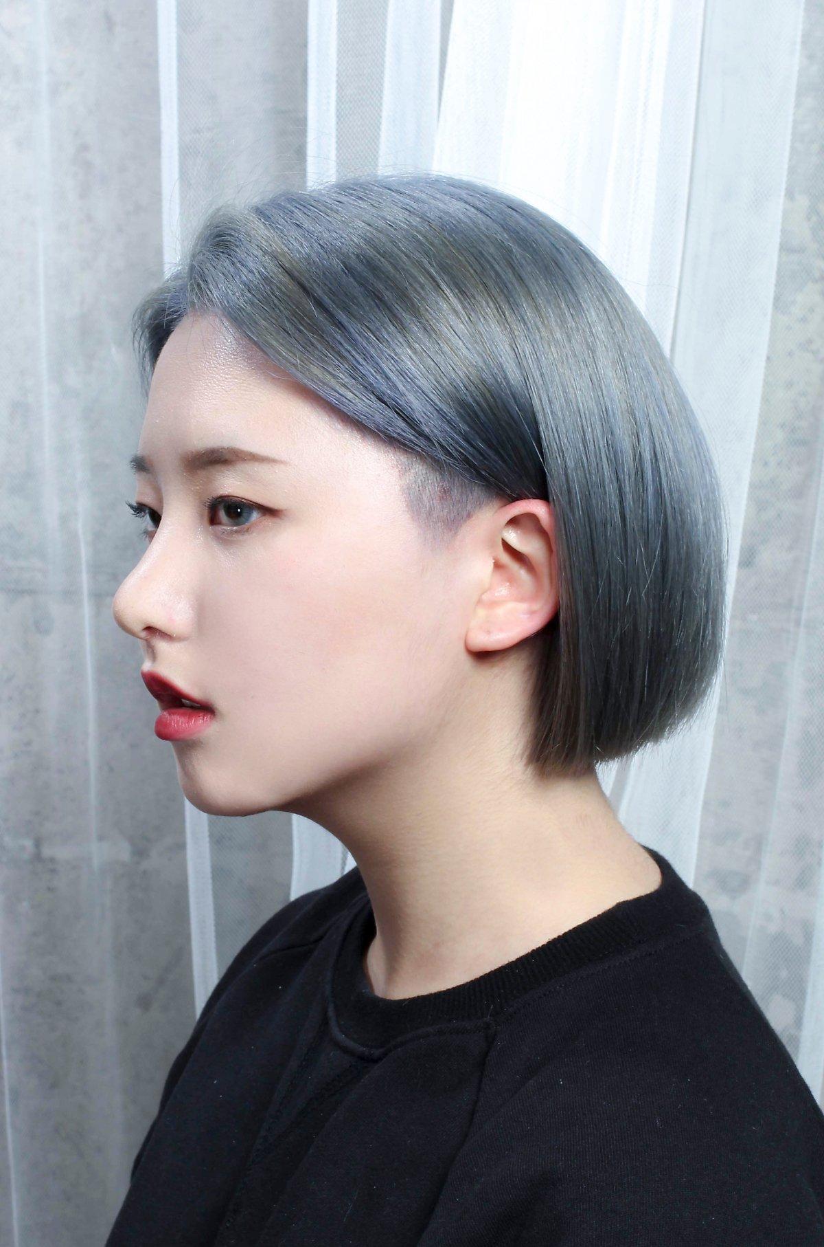 明るい髪色がセンスを感じるオルチャンの髪型