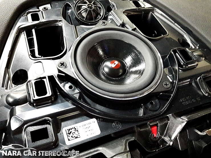 BMW G30 520d 센터스피커 장착 - 광양 중마동 순천 여수 오디오튜닝 나라카오디오페