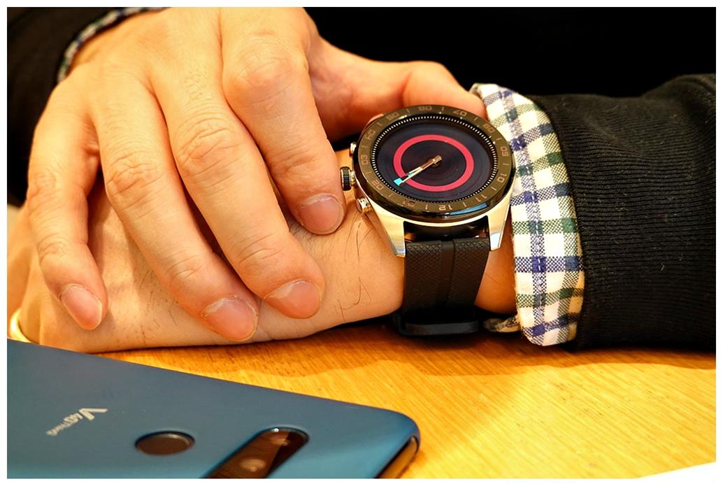LG Watch W7은 진짜 시계바늘이 있는 스마트워치 (개봉기 & 후기)