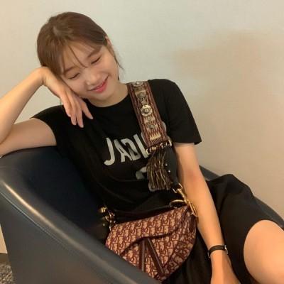 수지, '양예원 사건' 2000만원 지급 판결 후…해외 일정차 싱가포르행