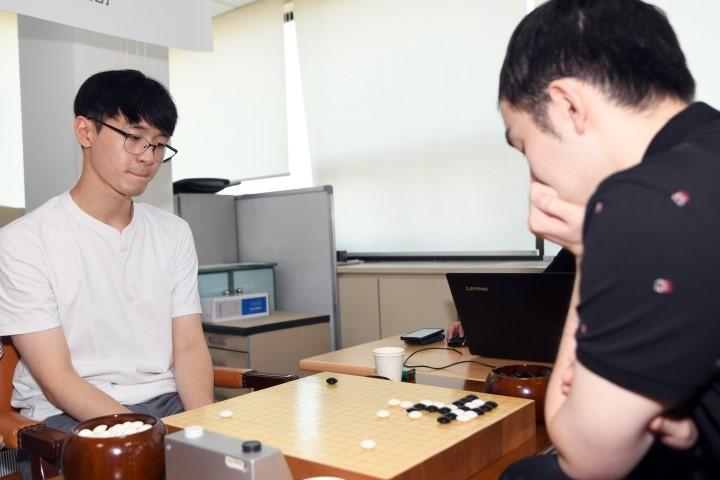 허영호-승자(왼쪽)_vs_리쉬안하오.JPG