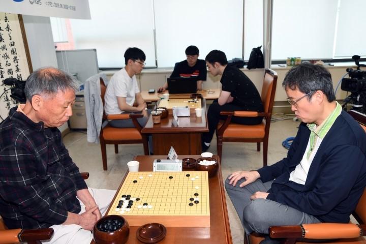 서봉수-승자(왼쪽)_vs_유창혁.JPG