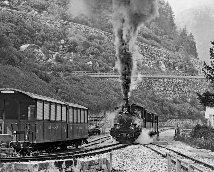 고속철도를 움직이는 전기의 힘      깨끗한 전기철도