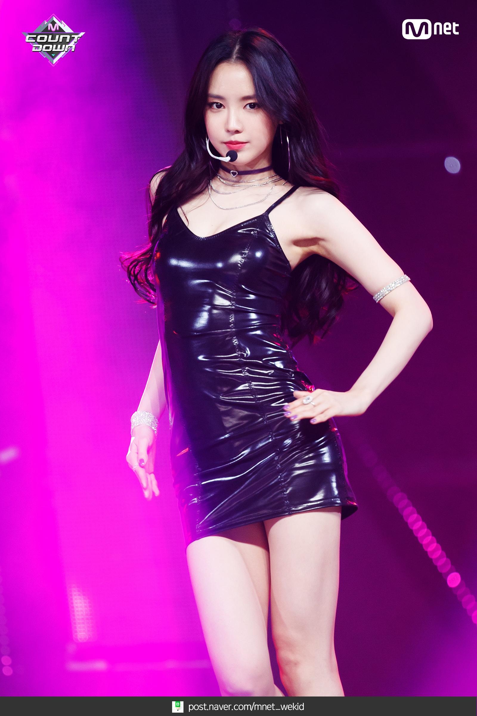 Apink_EungEung_(17).jpg