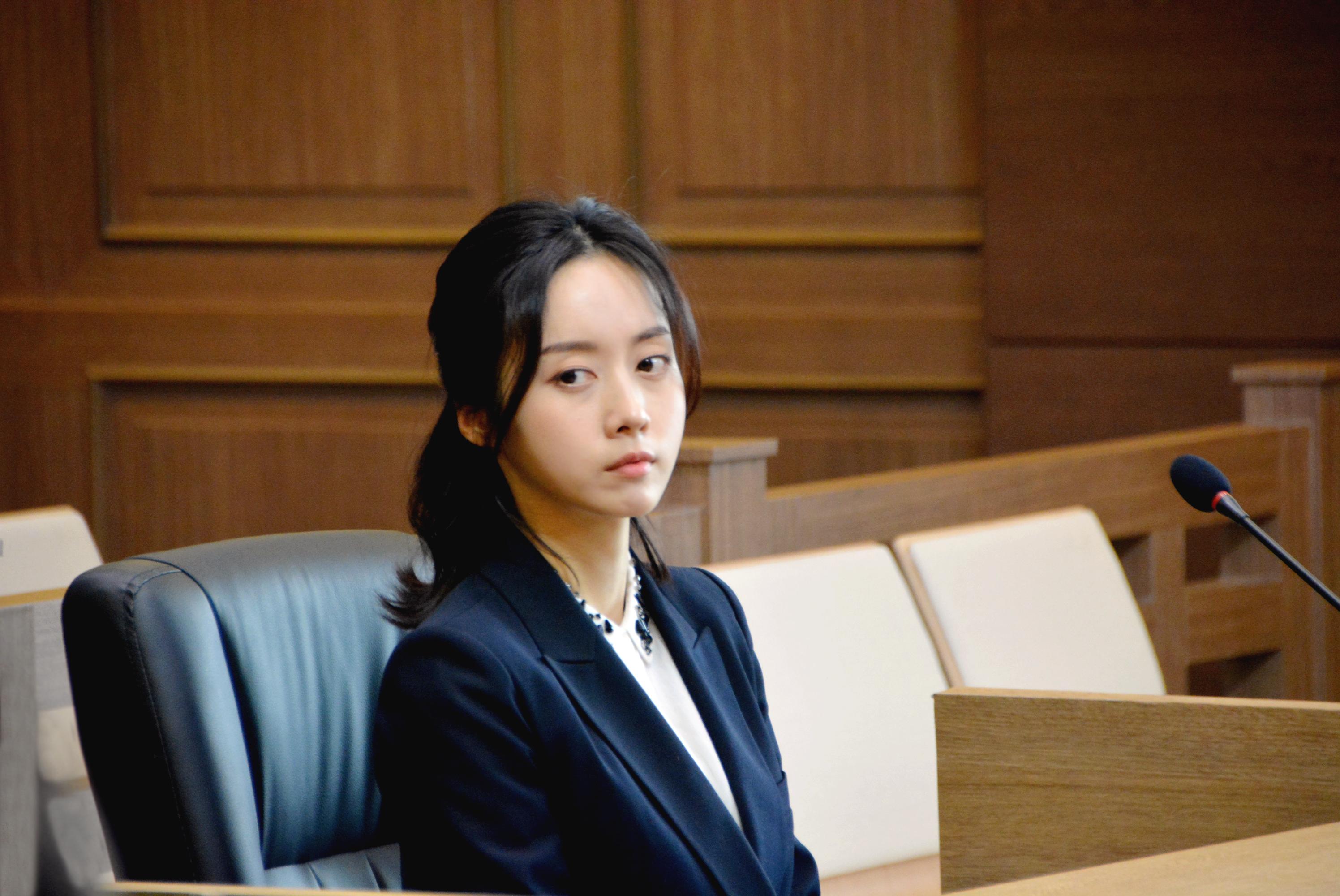 유쾌 코믹 법조 활극 jtbc'리갈하이'  '샤를 로테' 주민하 배우의 활약상 들여다보기!